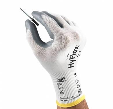 Guantes de nitrilo de uso general HyFlex® 11-800El guante original, reinventado El producto estrella Ansell, HyFlex® 11-800, el guante de espuma de nitrilo original, ahora mejor que nunca. Una solución altamente versátil para operaciones de montaje de precisión y la manipulación general, ofrece el equilibrio perfecto entre confort, destreza y protección. Su avanzada tecnología de tejido permite un mayor estiramiento y flexibilidad en áreas de gran tensión: la mano se mueve con más libertad, mejorando el confort y reduciendo la fatiga de las manos. Antiestático según EN1149. Para aplicaciones especiales. Aplicaciones ideales Trabajo en depósitos. Montaje de líneas blancas. Trabajos ligeros de montaje. Manipulación en general.