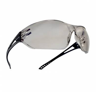 SLAMULTRATENDENCIADiseño y ergonomía, el modelo SLAM protege en cualquier circunstancia y proporciona un confort óptimo. -Ultra envolvente -Campo de visión panorámico -Patillas rectas confort -23 g -VERSION: incolora. REFERENCIA: SLAPSI. TRATAMIENTOS: ASAF