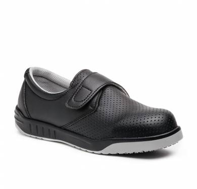 ZAPATO DE SEGURIDAD SKARPPA EVA (O1 SRC)Zapato blanco/Negro ligero y flexible inyectado directamente al corte. Fácil cierre de velcro. Pala de microfibra con alta capacidad de absorción de humedad y rápido secado. Plantilla de tejido con tratamiento antibacterias. Suela antideslizante. SRC. Ergonómica, se ajusta perfectamente al pie con extraordinaria comodidad, flexibilidad y estabilidad. Parte superior: Microfibra lavable, suave y flexible. Antimicrobiana. Plantilla interior: Antiestática, antibacterias, antihongos Suela: PU+CAUCHO cementado Ligera y flexible. Gran capacidad de agarre consiguiendo nivel SRC (resistencia al deslizamiento sobre suelo de cerámica y de acero).