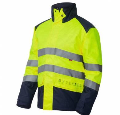 PARKA IGNÍFUGA TOP ALTA VISIBILIDAD MULTINORMA ADEEPI. REF. PAEAVB-1145Prenda de protección de alta visibilidad, contra el calor y llama, para soldadores y técnicas conexas, contra la lluvia, contra ambientes fríos, con propiedades electrostáticas, con protección limitada contra productos químicos líquidos y contra riesgos térmicos producidos por un arco eléctrico. EN ISO 13688/2013 (Ropa de protección. Requisitos generales) EN ISO 20471/2013+A1/16 (Ropa de protección de alta visibilidad. Métodos de ensayo y exigencias), como Clase 3 EN ISO 11612/15 (Ropa de protección contra el calor y llama) con los siguientes niveles de prestación: A1-A2-B2-C2-X-X-F2 EN ISO 11611/15 (Ropa de protección para soldadores y técnicas conexas) con los niveles A1+A2, clase 2 EN ISO 14116/15 (Ropa de protección limitada a la llama) con la siguiente prestación: índice 3 EN 343/03+A1/07/AC/09 (Ropa de protección contra la lluvia) como clase 3-2 EN 14058/04 (Ropa de protección contra ambientes fríos) con una clase 2 en resistencia térmica EN 1149-5/08 (Material para ropa de protección con propiedades electrostáticas) EN 13034/05+A1/09 (Ropa de protección limitada contra productos químicos líquidos (equipo tipo PB [6]) IEC 61482-2/09 (Ropa de protección contra riesgos térmicos producidos por un arco eléctrico) como clase 2 TALLAS S a 3XL Color: amarillo/marino EXTERIOR: 98% poliéster tratado, 2% carbonoFORRO: algodón 100% retardanteACOLCHADO: 100% poliéster retardante REF. PAEAVB-1145