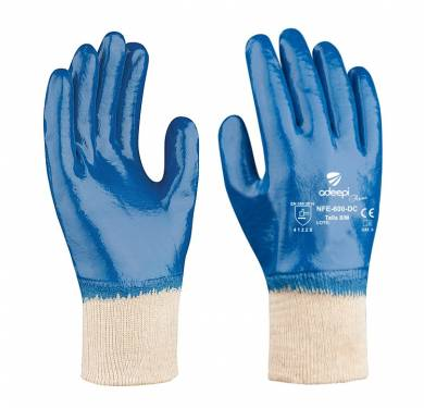 GUANTE DE SEGURIDAD SINTETICO ADEEPI GLOVES: NFE-600-DCEl GUANTE Referencia. NFE-600-DC es un guante de cinco dedos destinado a la protección frente a agresiones mecánicas, confeccionado tejido de punto jersey 100% algodón. La palma y los dedos tienen de un recubrimiento de nitrilo de color azul. El nitrilo le proporciona un excelente agarre en seco. Es transpirable, no provoca malos olores y tiene nivel de resistencia alto a la abrasión. Este Guante Mod. NFE-600-DC es un Equipo de Protección Individual (EPI), que cumple con las exigencias esenciales de sanidad y seguridad que se especifican en el Reglamento (UE) 2016/425, según las normas EN 420:2003+A1:2009 (Guantes de protección. Requisitos generales y métodos de ensayo) y EN 388:2016 (Guantes de protección contra Riesgos Mecánicos), como EPI de categoría II. Este guante está especialmente indicado para ser utilizado en todo tipo de industrias, donde exista un riesgo mecánico para la palma de las manos. El nivel de protección de este guante es: 4.1.2.2.X El nivel de dexteridad: 5 Tallas: 6, 7, 8, 9, 10, 11 Colores: Base: Beige Recubrimiento: Azul